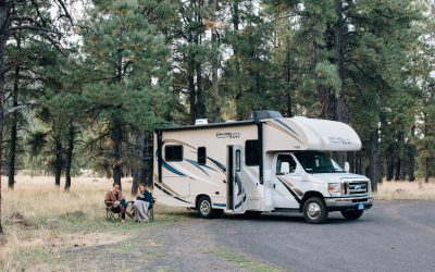 Motorhome vs. Travel Trailer: Everything You Need to Know