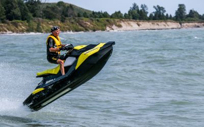 Jet Ski vs. Boat: 5 Reasons To Buy a Jet Ski Instead of a Boat